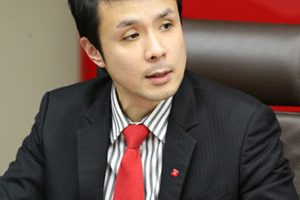 Nathan Chow, Vice President and Economist of Group Research, DBS Bank (Hong Kong) Limited, said the DBS RMB Index for VVinning Enterprises reading rebounded to 54.7 in the fourth quarter of 2013, amid increasing business needs for RMB by local corporations. Corporate use of RMB products and services at record highs and product scope widened