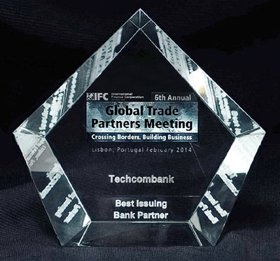 IFC Recoginises TECHCOMBANK As 2013 GLOBAL BEST ISSUING BANK PARTNER