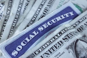 """""""The Complete Retiree's Guide To Social Security"""" Helps Older Americans Make The Best Financial Decisions As Retirement Approaches"""