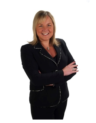 """""""PERFORMANCE OUTSELLS PROMISES"""" FOR DENISE SWICK, TOP RE/MAX ALLIANCE BROKER IN DAYTON/OHIO'S MIAMI VALLEY 3"""