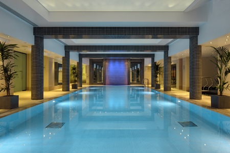 LONDON'S LEADING LUXURY INDEPENDENT HOTELS 9