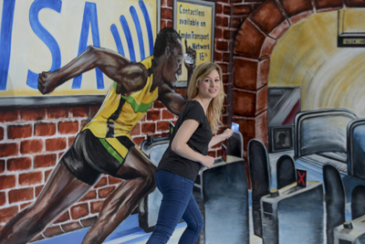 Usain Bolt sprints to the tube with Contactless