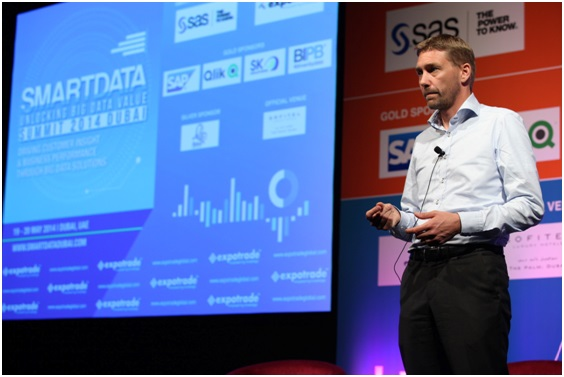 Presentation in progress at Smart Data Summit 2014