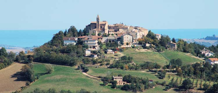 Le-Marche-hilltop-town-1400