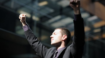 HOW TO CLIMB THE LADDER TO THE TOP SPOT: THE SUCCESS FACTORS BEHIND FTSE 100 CEOS
