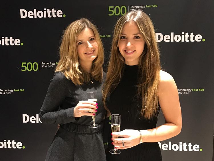 Maria Akkuratnova and Sara Rasmussen from Business Development at Auka accepted the award