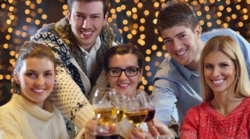 HOW BANKS CAN ENSURE PERFECT CHRISTMAS CUSTOMER SERVICE WHEN YOUR SUPPORT TEAM IS HOME ALONE