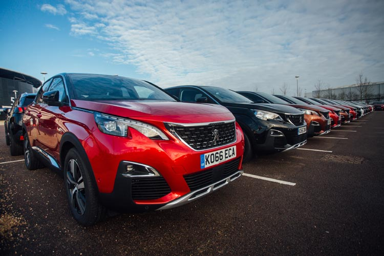 Peugeot 3008 Drive Away Parked