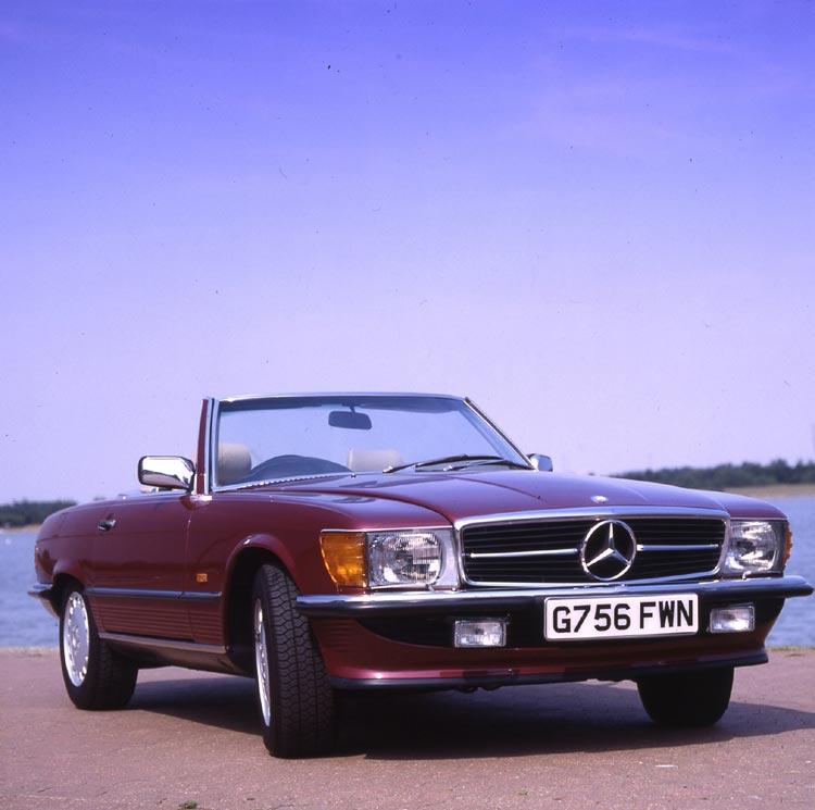 1989 Mercedes 300SL (R107)