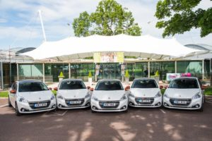 VOLLEY OF PEUGEOT 208 MODELS ARRIVE AT THE HOME OF BRITISH TENNIS THANKS TO JAMIE MURRAY