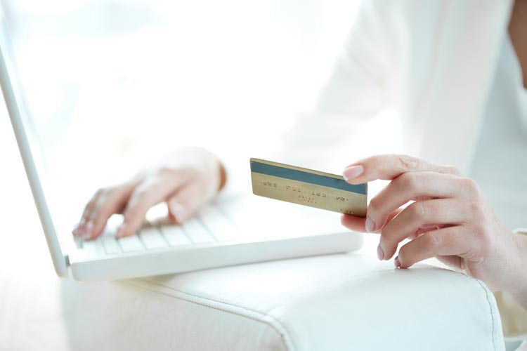 PANIC! CONTACTLESS CARD FRAUD IS ON THE RISE!
