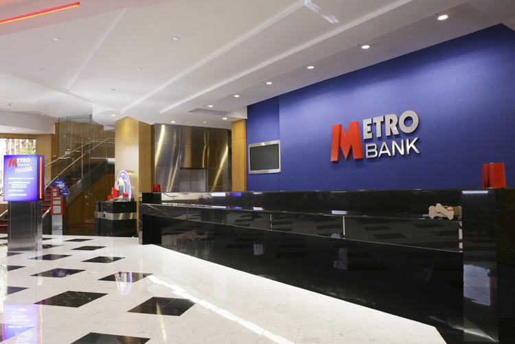METRO BANK SETS ITS SIGHTS ON SWINDON