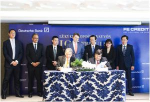 The US$ 100 Million Loan Facility Signing Ceremony between FE CREDIT and Deutsche Bank on November 23, 2017