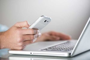 BRITS SPEND 120 HOURS A YEAR ON SMARTPHONES WHILST AT WORK