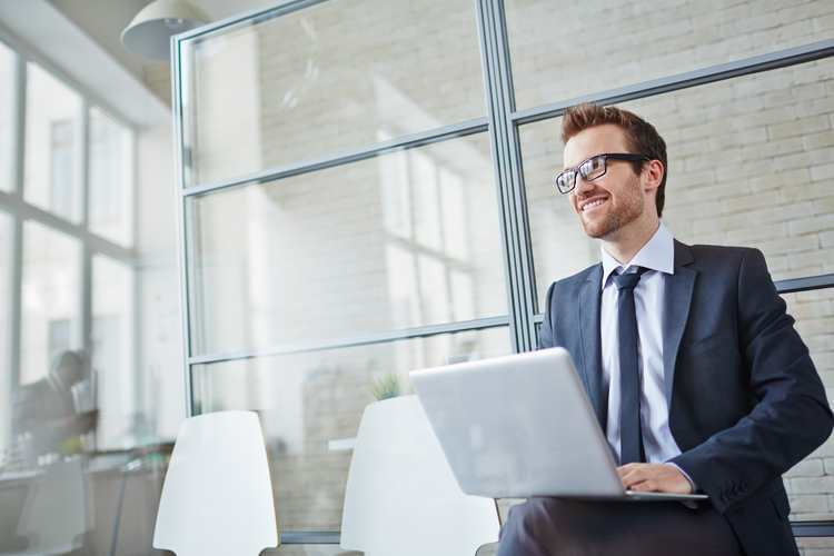 EIGHT WAYS TO CRUSH YOUR CAREER BLUES IN 2018