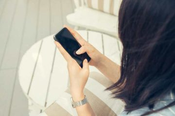 FEMALE CUSTOMERS 60% MORE LIKELY TO VIEW MOBILE CONTENT BEFORE THEY BUY A CAR