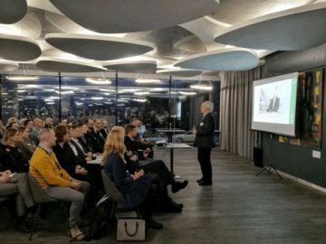 VladasLasas addresses the attendees of LitBAN event