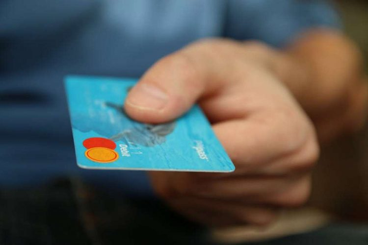 Why are so many SMEs across the UK not accepting credit card payments?