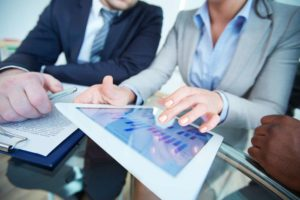 How to Become a Financial Analyst?