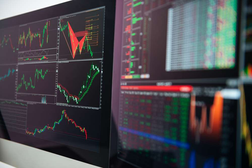 tock market crash is supposed to be a very dramatic, intense as well as drastic decline at stock prices.