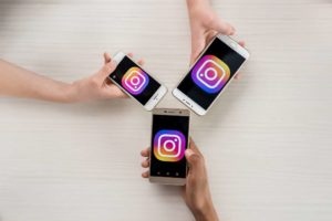 One major factor that distinguishes Instagram from Snapchat is its ample dependence on complex algorithms and protocols.