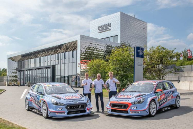 After the first test rounds at the Nürburgring team owner Franz Engstler (middle) and drivers Théo Coicaud (left) and Luca Engstler are convinced of the Hyundai i30 N TCR.