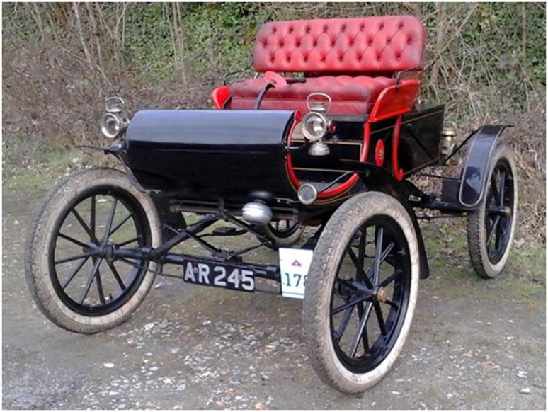 1903 Oldsmobile Curved Dash 5hp Runaround – estimate £34,000 to £37,000