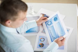 Business Loans That Work Well With Invoice Financing