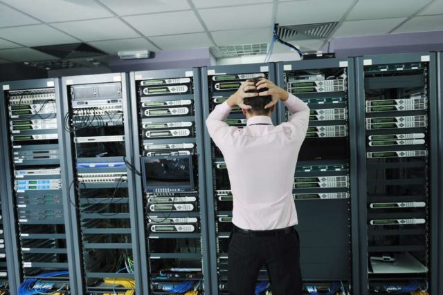 Banking on your IT - how financial institutions can minimise the risk of IT outages 1