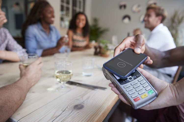 Cashless confusion: consumers are keeping their cards close to their chest