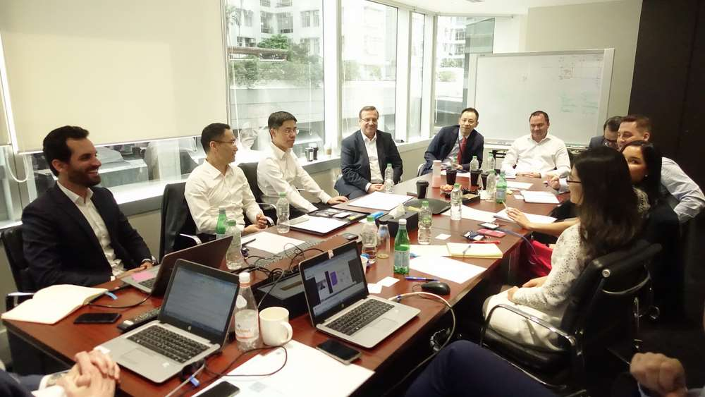 Holger Schaefer (fourth from left), Head of Region, Euler Hermes Asia Pacific, at a regional surety workshop recently held in Hong Kong