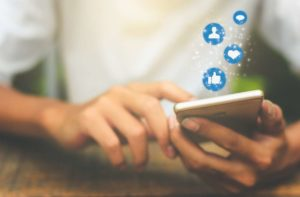 Eliminating the social media blind spot: 8 tips every Financial Services Institution should know