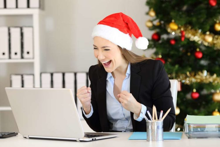 How to Give to Employees at Christmas without Tax Burden