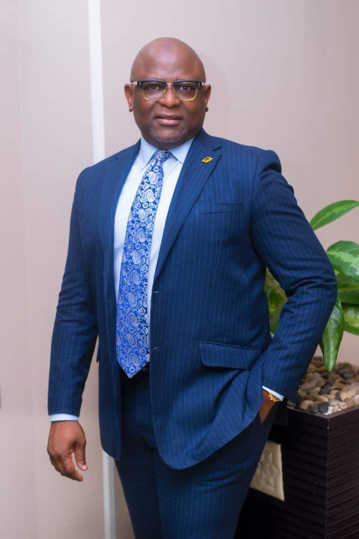 Dr Adesola Adeduntan