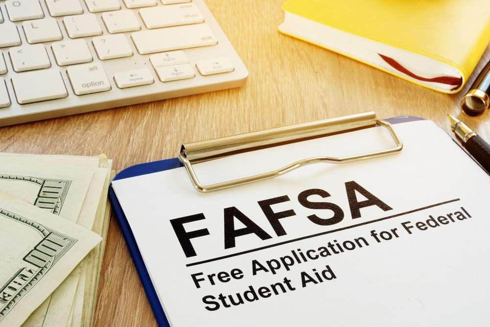 What is the Maximum Income to Qualify for Financial Aid?