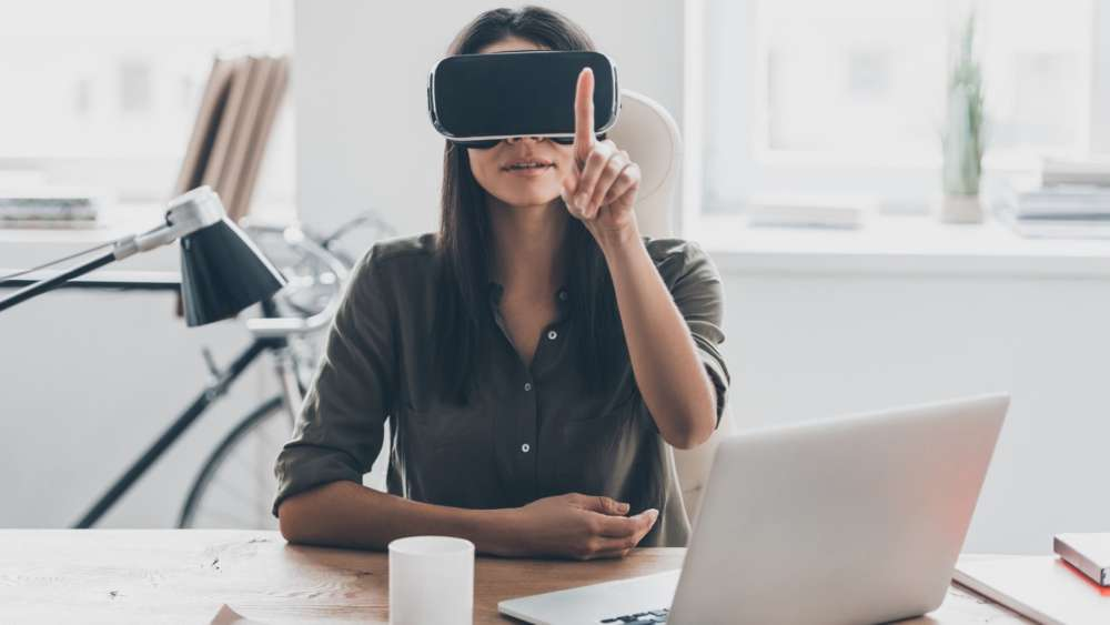 Enterprise VR untethered: new ways of training for a new world of work 1
