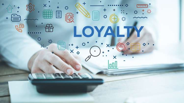How can financial services companies deliver great customer service and retain customer loyalty? 2