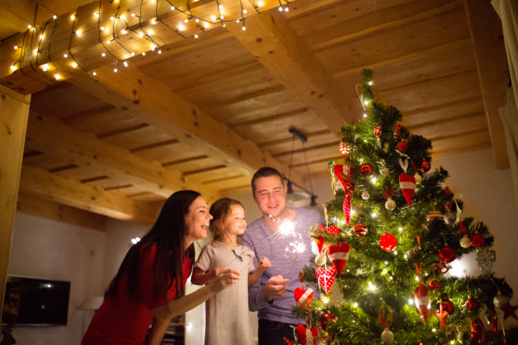 Aussie migrants say Christmas is more important than ever this year, even at a distance 12