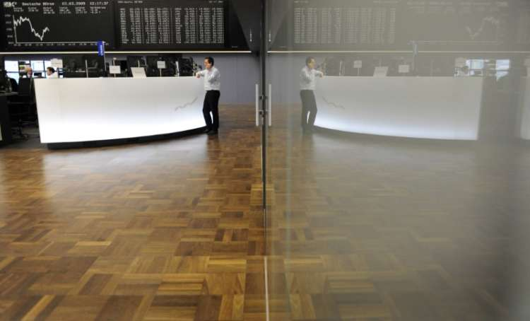 Tech, luxury stocks drive European shares higher 21