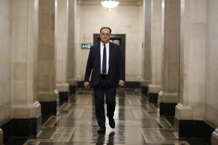 Bank of England's Bailey expects 'pronounced recovery' for economy 3
