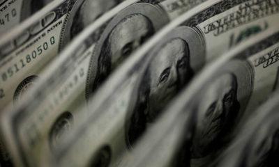 Dollar slides for third day on U.S. data, stimulus expectations 15