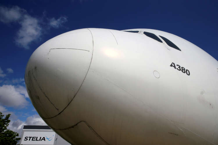 Airbus slows A320 ramp-up on weaker market outlook 14