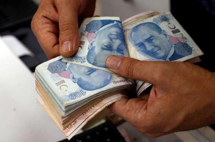 Analysis: Foreigners suspend disbelief, edge back into Turkish markets 1