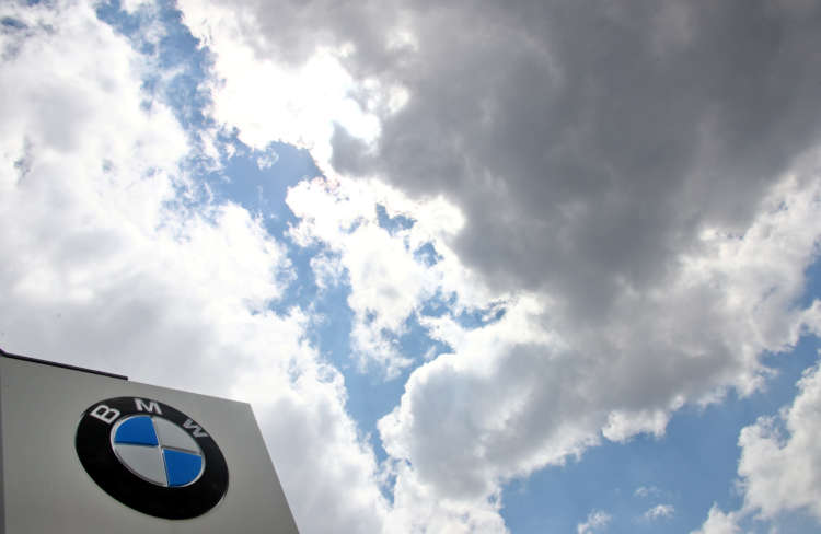 BMW says 2020 cash flow exceeded market expectations 13