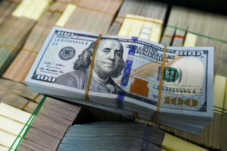 Dollar stands stall as global stock rally fizzles 2