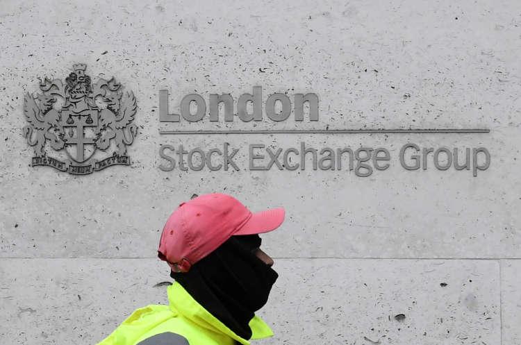 London stocks rise on recovery hopes; BP top drag on weak earnings 1