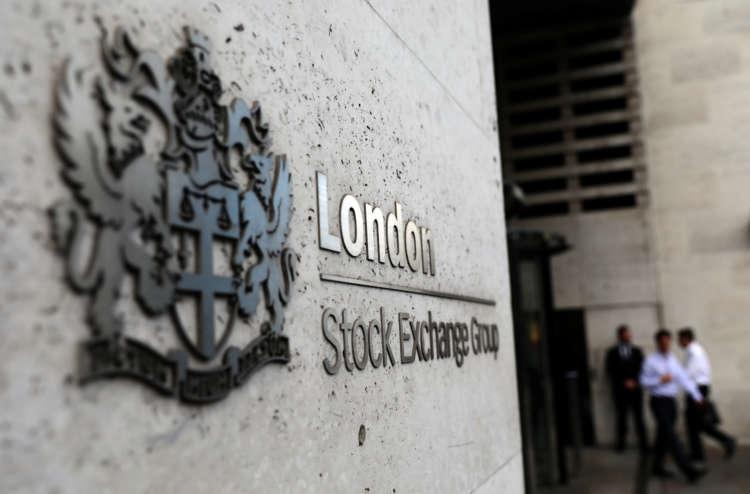 FTSE 100 retreats on stronger pound; Dunelm shines on dividend plans 1