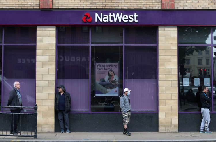 NatWest to exit Ireland, tumbles to 2020 loss 1