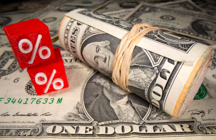 Dollar bides time, looks to Powell for inspiration 6
