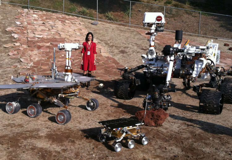 NASA Mars scientists spur girls to 'reach for the stars' 1